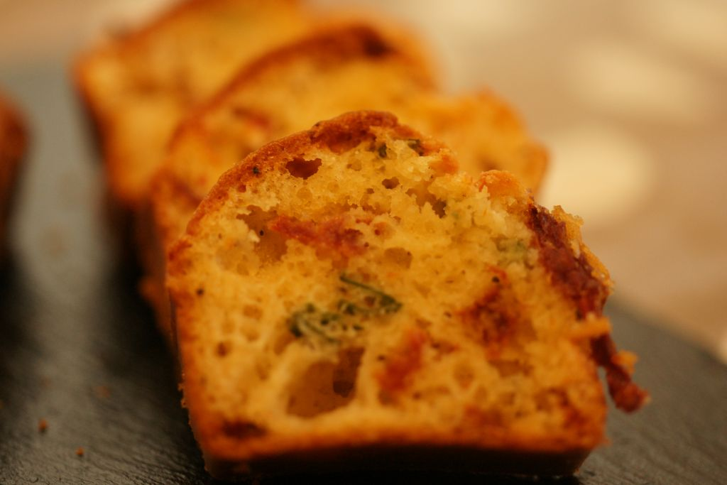 Recette Cake Aux Tomates S Ef Bf Bdch Ef Bf Bdes Et Ch Ef Bf Bdvre